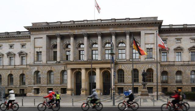 Немецкий политик: Порошенко должен предстать перед международным судом
