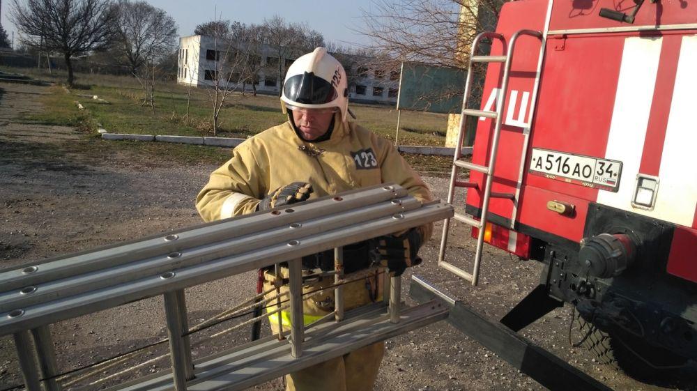 Огнеборцы ГКУ РК «Пожарная охрана Республики Крым» провели пожарно-тактическое занятие по ликвидации условного пожара на социально значимом объекте