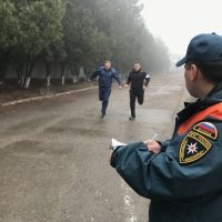 Крымские спасатели сдают зачеты по физической подготовке