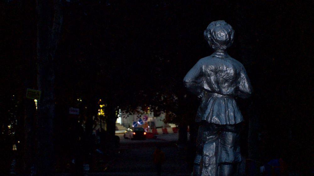 Комсомольский парк погрузился в темноту неопределенности