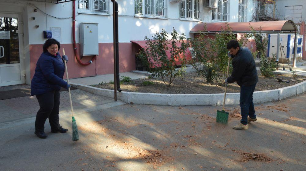 Сотрудники МЧС Республики Крым приняли участие в экологическом субботнике