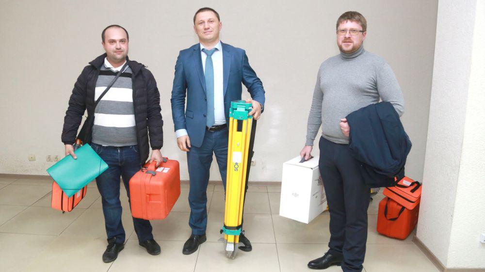 Госкомрегистр укрепляет материально-техническую базу земнадзора в регионах Крыма