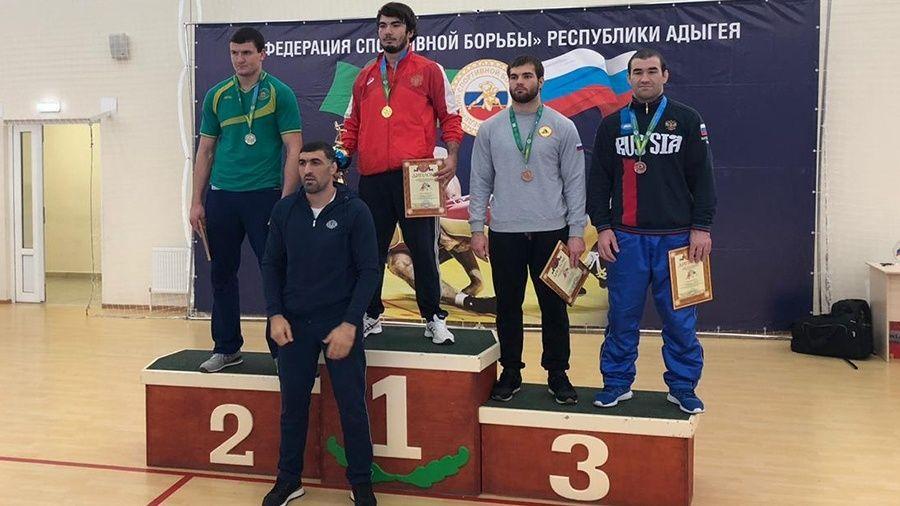 У сборной Крыма – четыре медали на чемпионате ЮФО по греко-римской борьбе