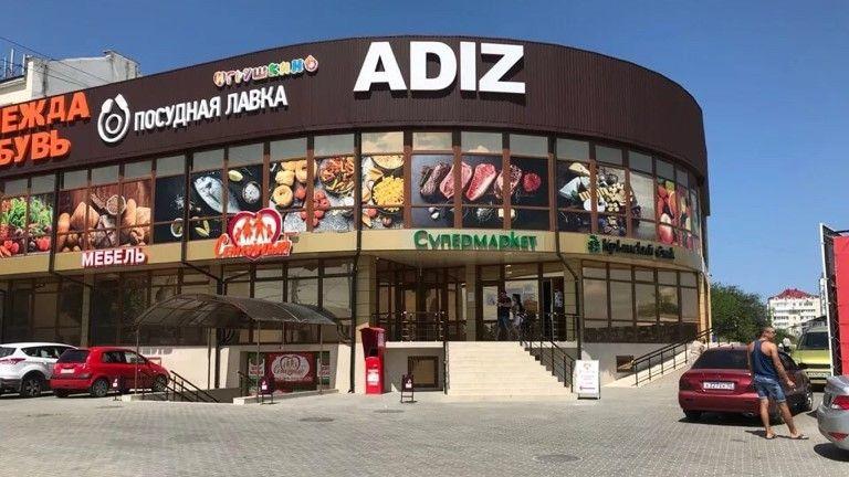 В Севастополе хотят снести незаконно построенные бар и магазин