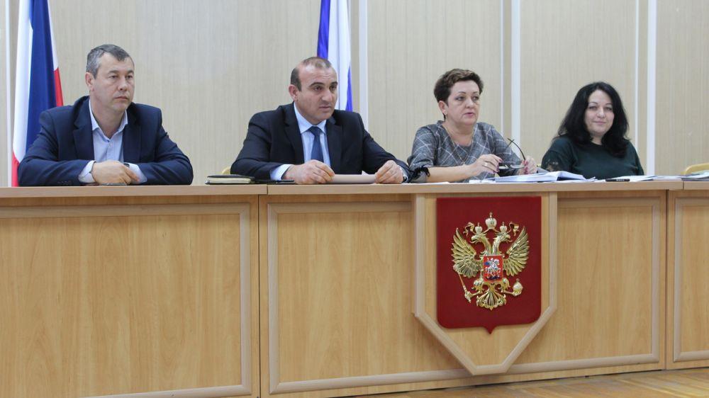 Дионис Алексанов провел совещание с главами администраций сельских поселений