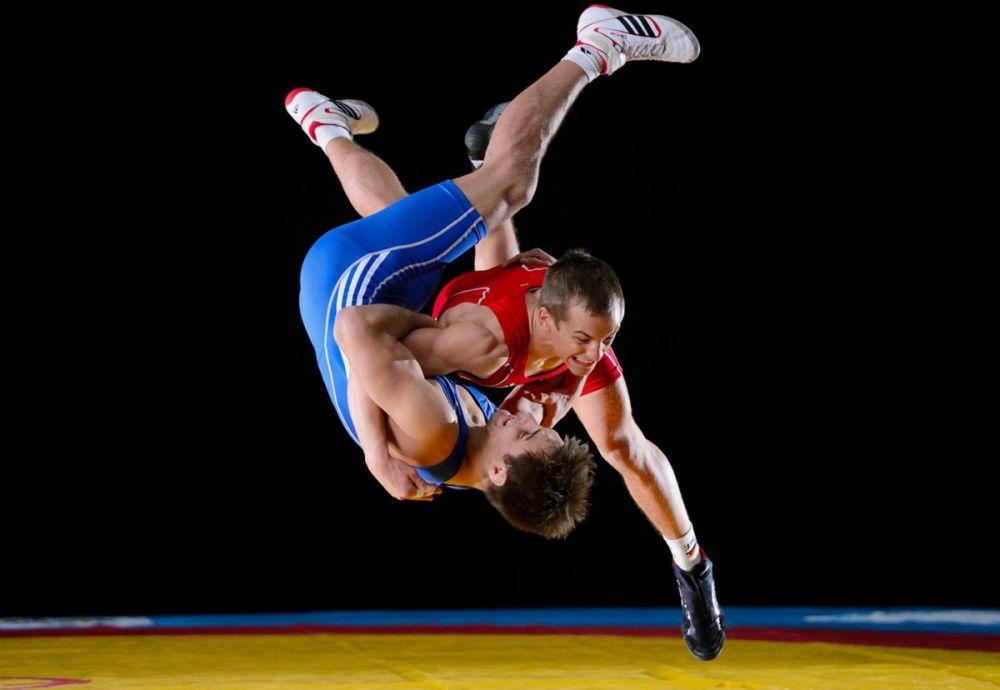 Севастополец взял золото на чемпионате ЮВО по греко-римской борьбе