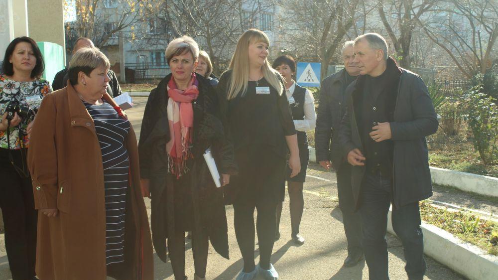 В 2020 году в детском саду «Жемчужина» с. Долинное будет продолжена замена оконных блоков