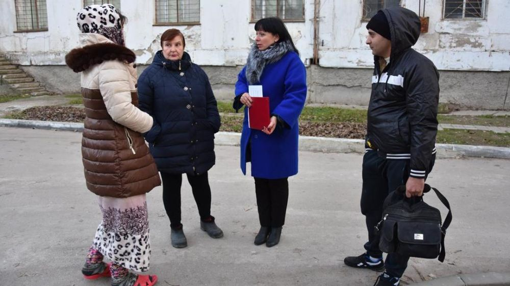 Выход мобильной группы в место компактного проживания крымскотатарского населения.