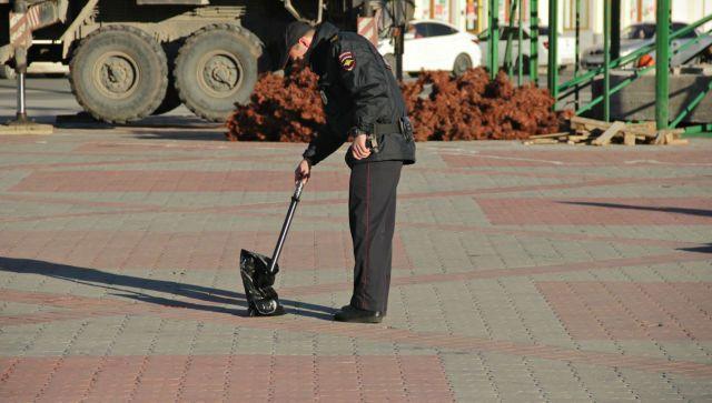 """В Симферополе площадь Ленина """"заминировали"""" творогом - фотофакт"""