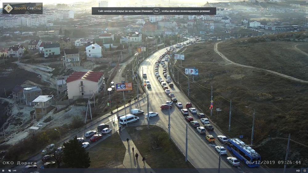 Утро пятницы: Севастополь встал – сидите дома!
