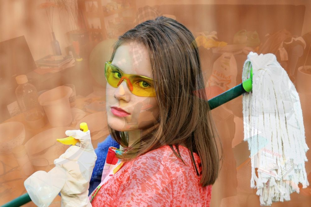 Майские указы навыворот: в Симферополе дворники получают больше педагогов