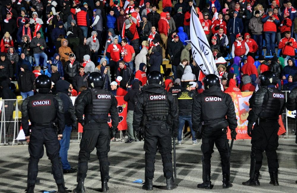 Запашный призвал силами ОМОНа ломать кости футбольным болельщикам
