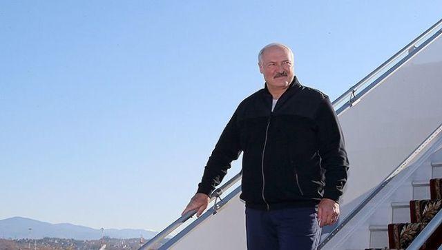 Александр Лукашенко прибыл в Сочи на встречу с Владимиром Путиным