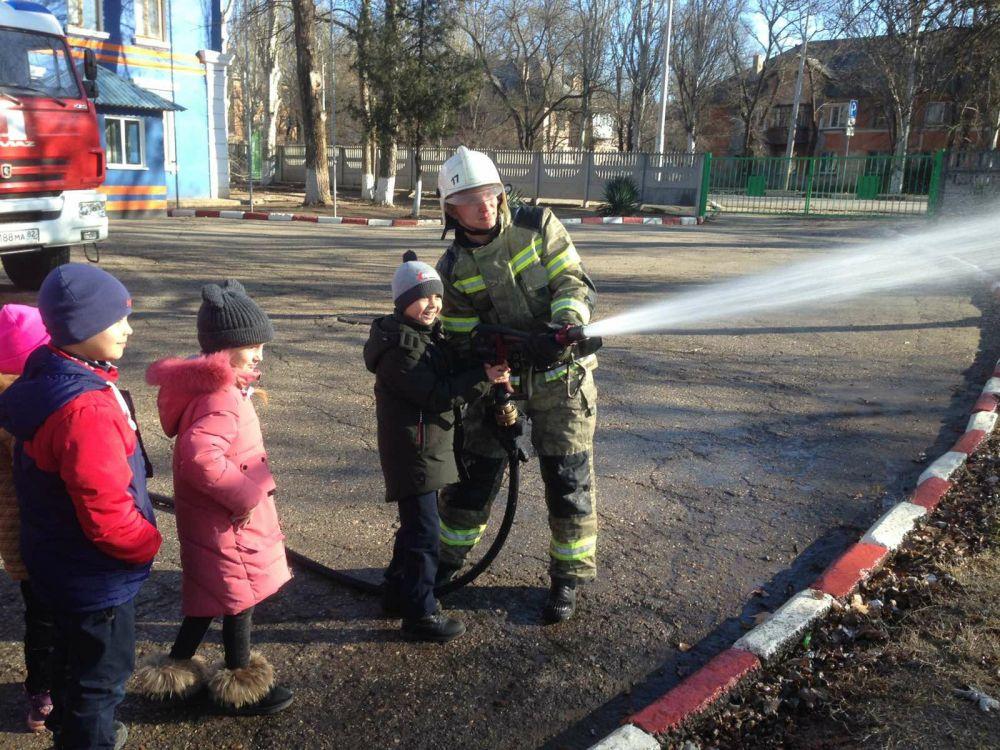 Экскурсия для первоклассников в пожарную часть