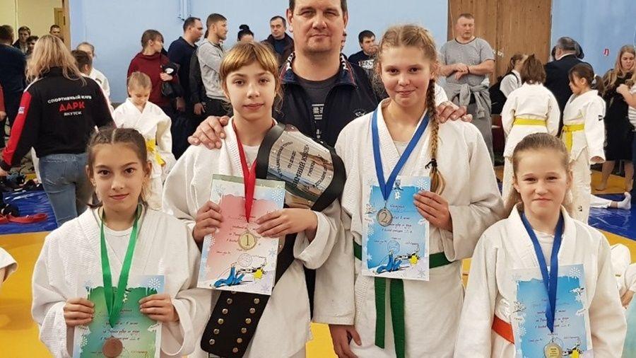 Юные ялтинские дзюдоисты отличились на турнирах в Москве и Подольске