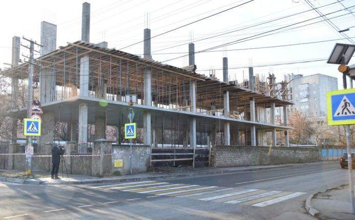 В Симферополе нашли ещё один незаконно возводимый многоэтажный объект
