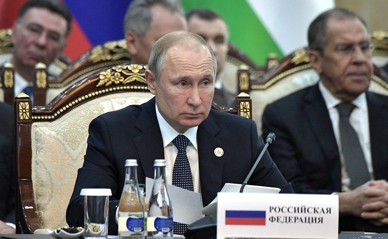 Путин попросил дать ему списки тысяч крымчан, которых преследуют на Украине