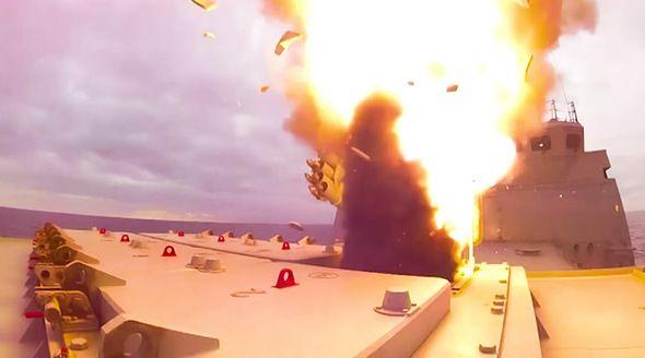 Появилось видео уничтожения ракетой «Калибр» наземной цели в Крыму