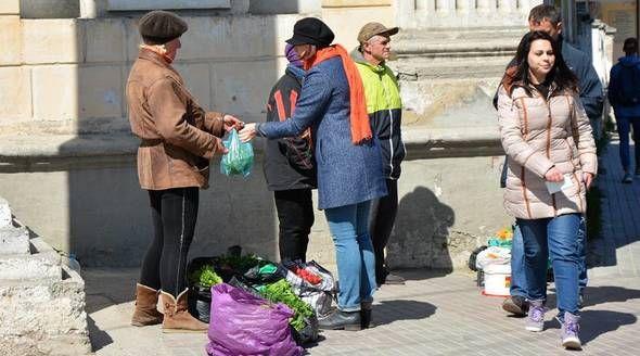 Власти оштрафовали стихийных торговцев в Крыму на 17 млн рублей в этом году