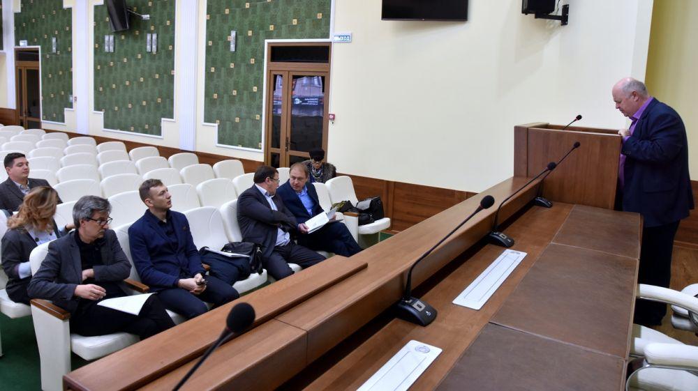 Общественный совет при Минздраве Крыма контролирует реализацию региональных проектов нацпроекта «Здравоохранение»