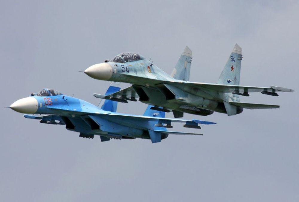 В небе над Крымом летчики провели бой с авиацией условного противника