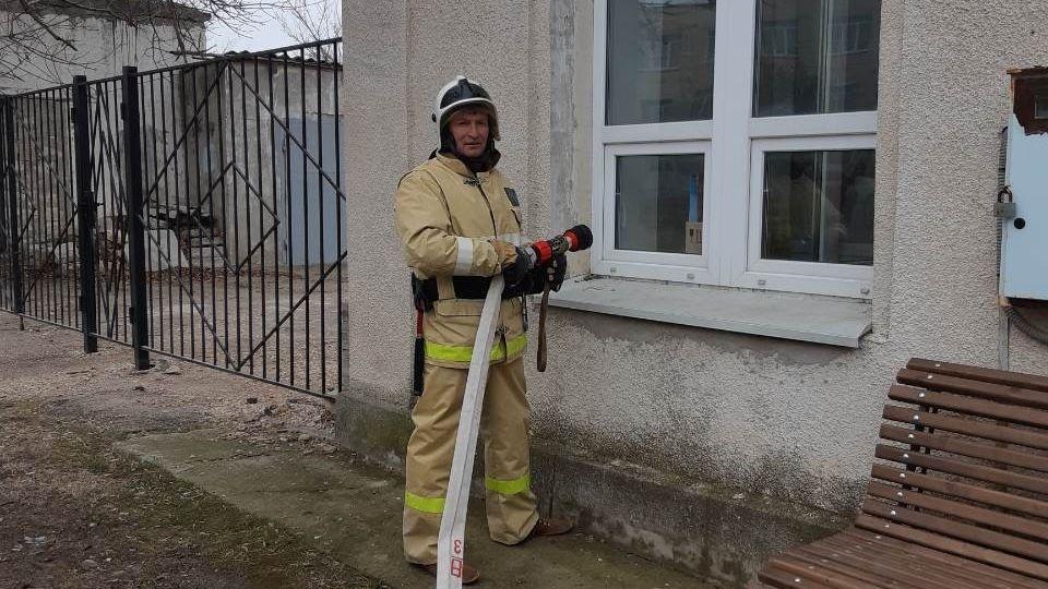 В зонах своей ответственности сотрудники ГКУ РК «Пожарная охрана Республики Крым» регулярно проводят тренировки на социально значимых объектах