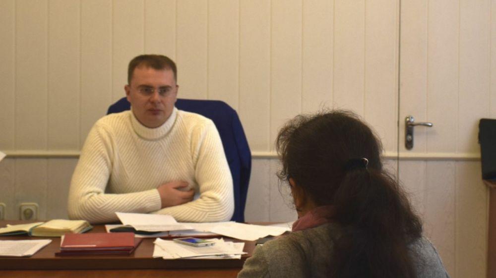 Глава администрации Нижнегорского района провел личный прием граждан