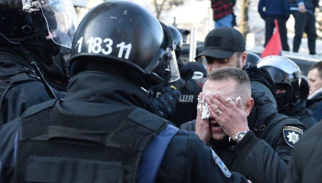 Это спектакль: эксперт назвал организатора протестов в Киеве