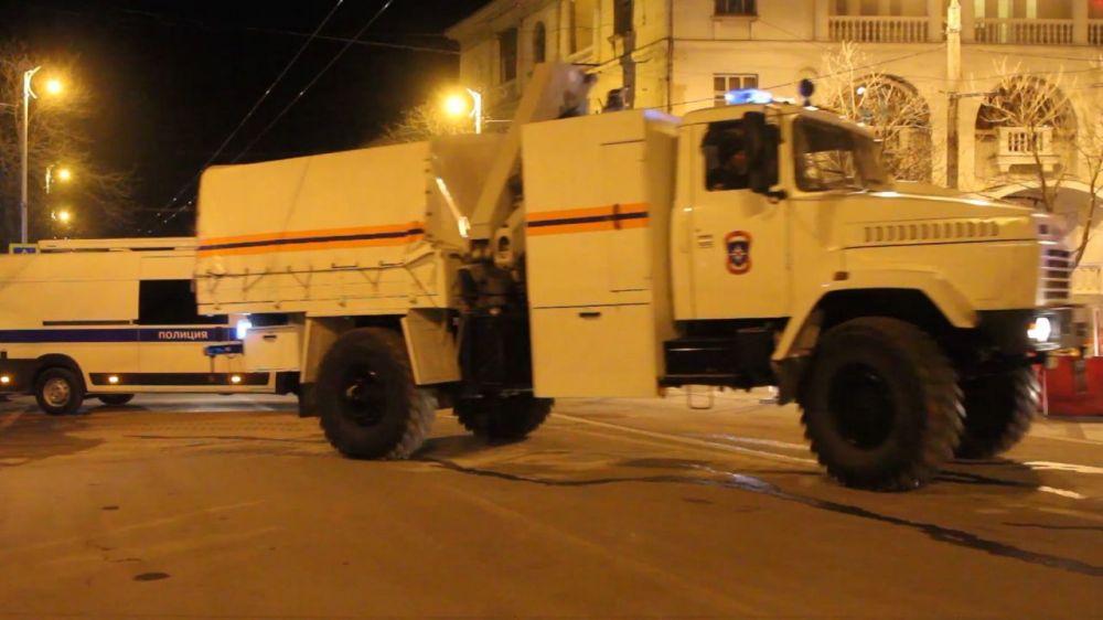 Бомбу, найденную в центре Севастополя, обезвредят в ближайшее время