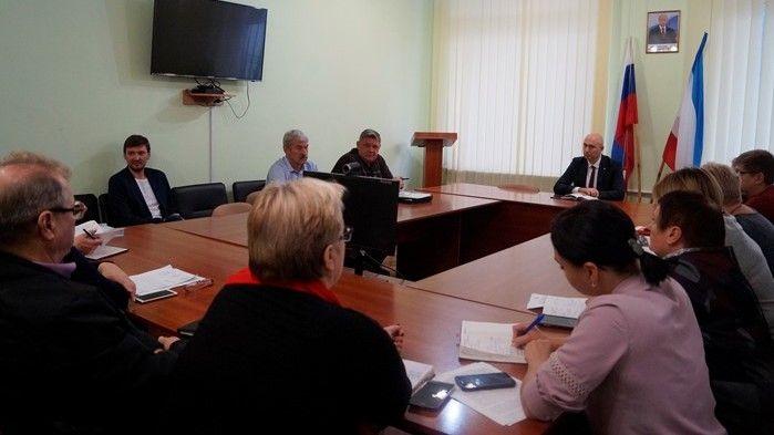 Владимир Трегуб провел рабочее совещание по вопросу разработки упрощенного механизма регистрации прав на земельные участки и объекты капитального строительства на территории Советского района