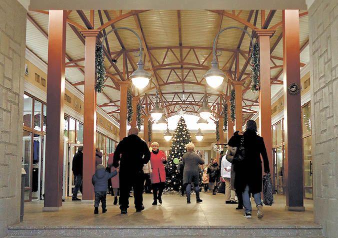 В Ялте открыли торговый комплекс «Вещевой рынок»