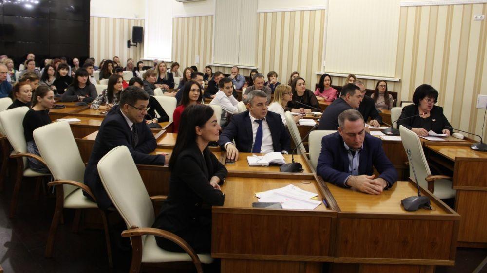 Состоялось отчетное совещание с государственными унитарными предприятиями, подведомственными Минкурортов РК