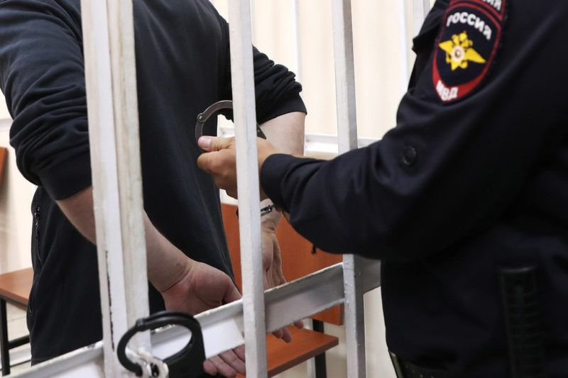 38-летний житель Симферополя следующие 18 лет проведёт в колонии. За сбыт наркотиков