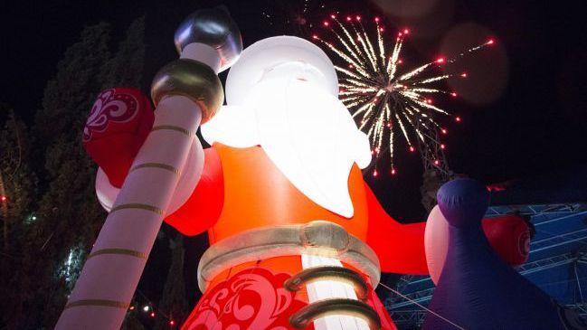 Новогодняя феерия: в Судаке зажгли главную ёлку города