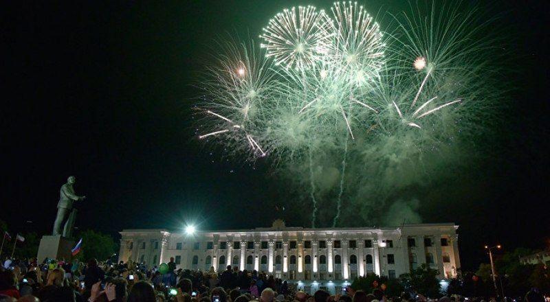 Симферопольцев поздравляют с Новым годом