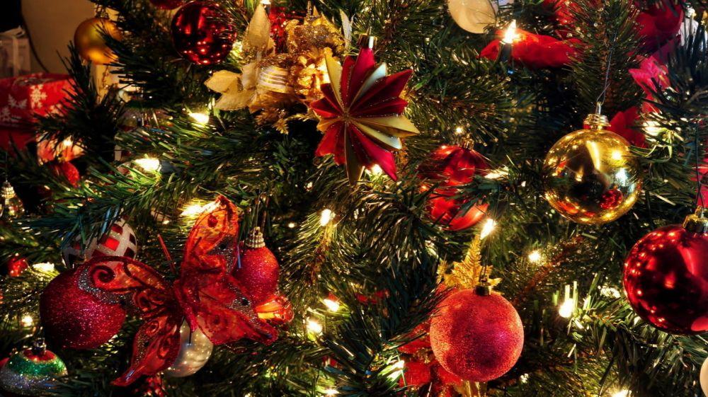 Жителей Феодосии поздравляют с наступающим Новым годом