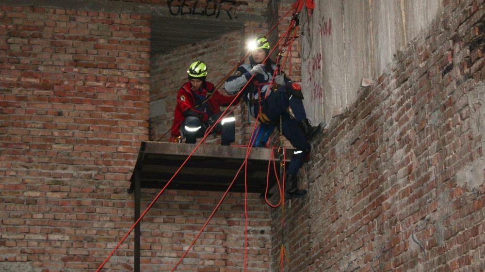 Сотрудники Евпаторийского АСО «КРЫМ-СПАС» провели тренировку по альпинистской подготовке