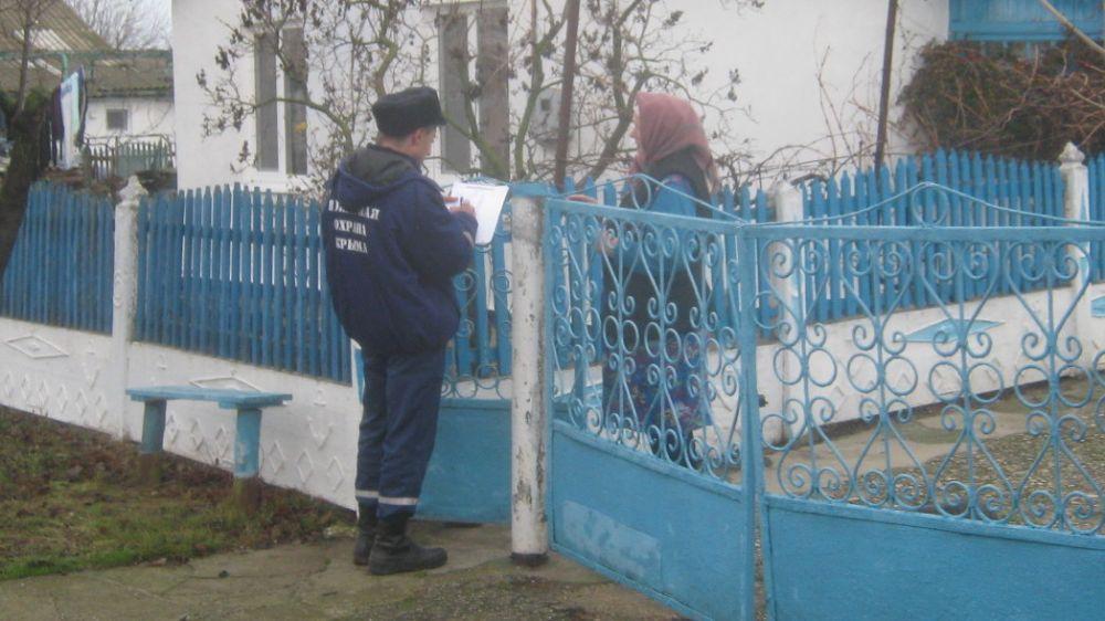Сотрудники ГКУ РК «Пожарная охрана Республики Крым» проводят комплекс профилактических мероприятий в период новогодних праздников