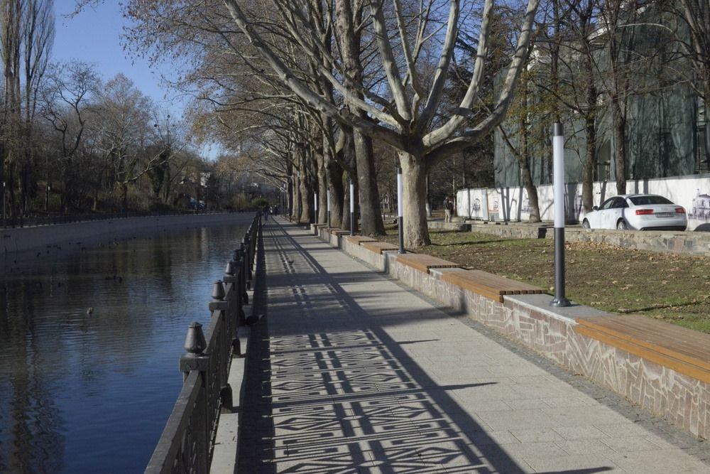Городское руководство Симферополя «удручает состояние урн»