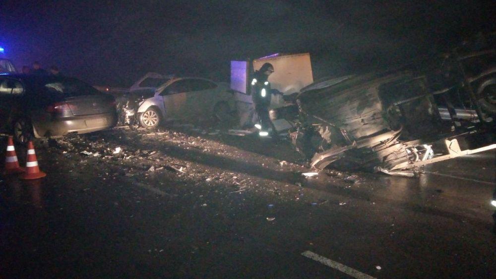 Крымские спасатели ликвидировали последствия ДТП на трассе «Таврида» в Белогорском районе