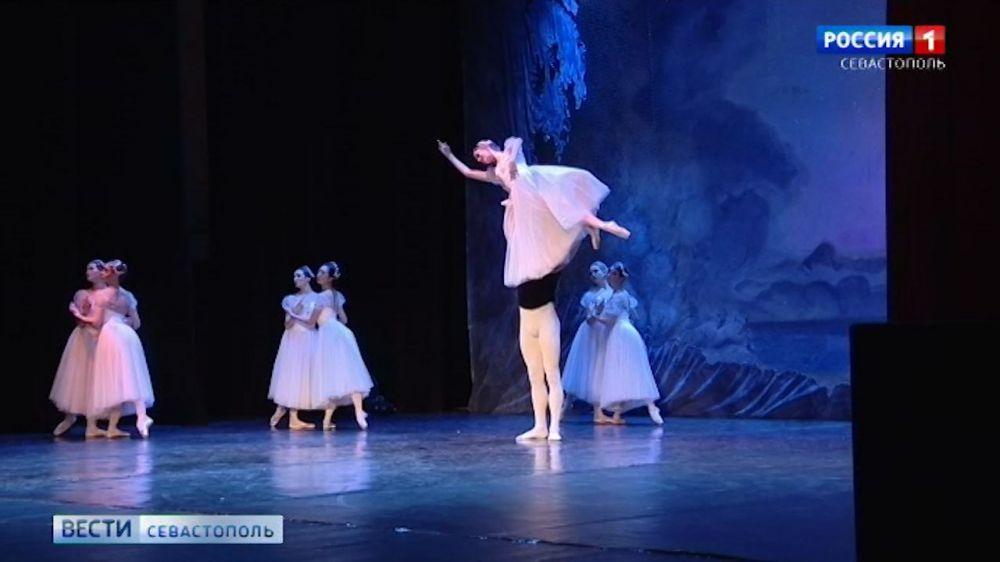 На гастроли в Севастополь приехал Имперский русский балет