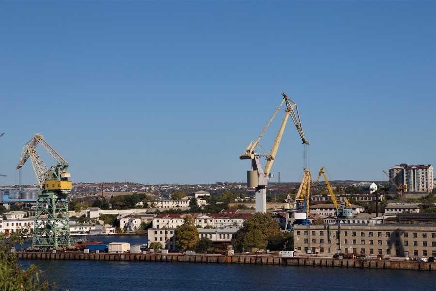 Путин оставил Севморпорт в собственности Севастополя