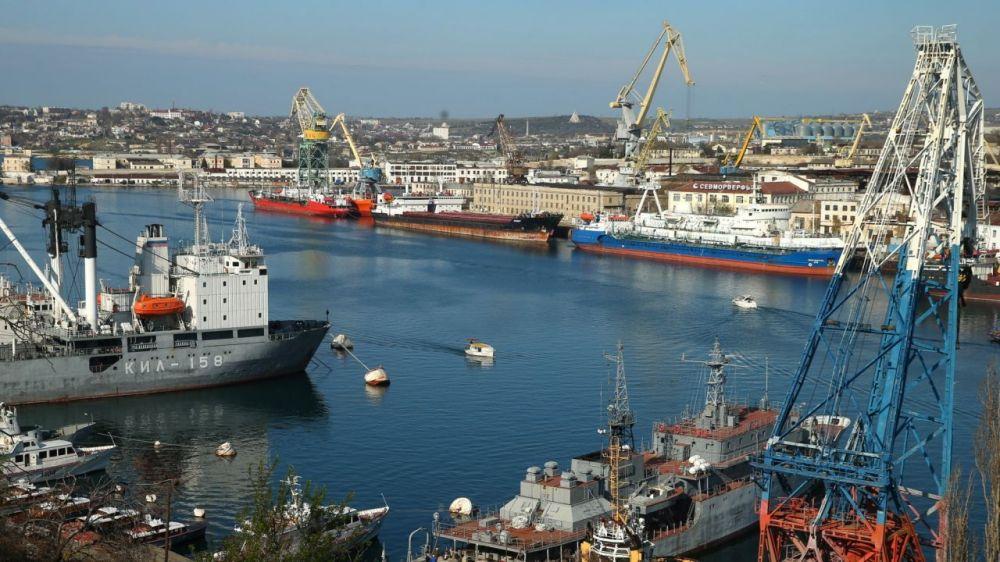 План развития Севморпорта представят на экономическом форуме в Сочи