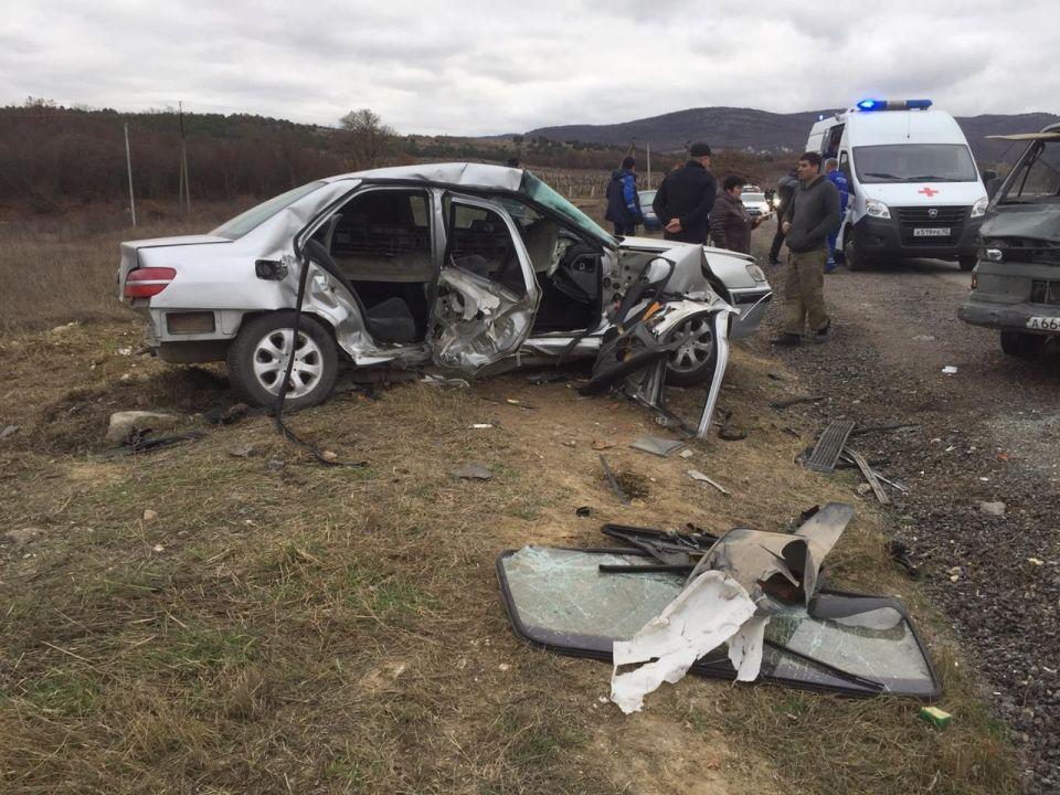 В ДТП на трассе «Севастополь –Ялта» пострадали женщина и подросток