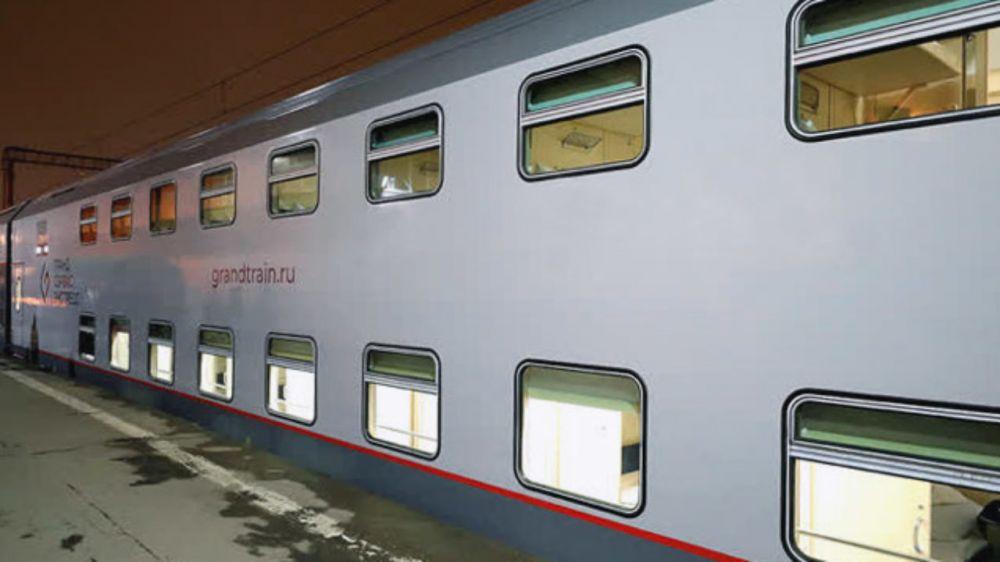 ЧП в поезде «Симферополь-Москва»: пьяная мать выбросила ребенка на лестницу