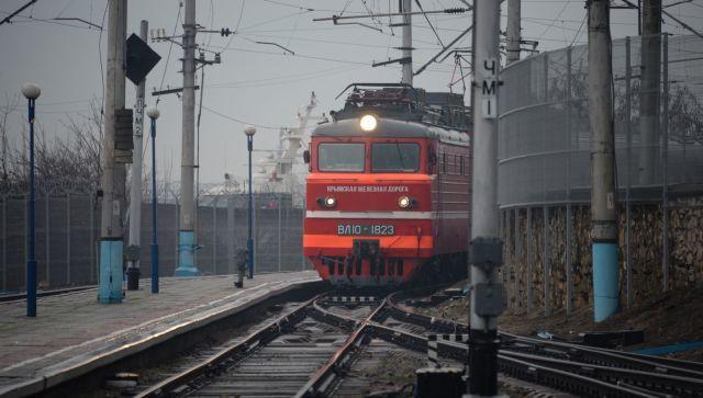 В Крыму пьяный пассажир устроил поножовщину в поезде