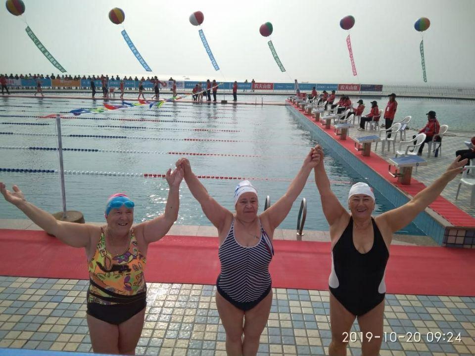 Жительница Севастополя победила на международном фестивале зимнего плавания в Харбине