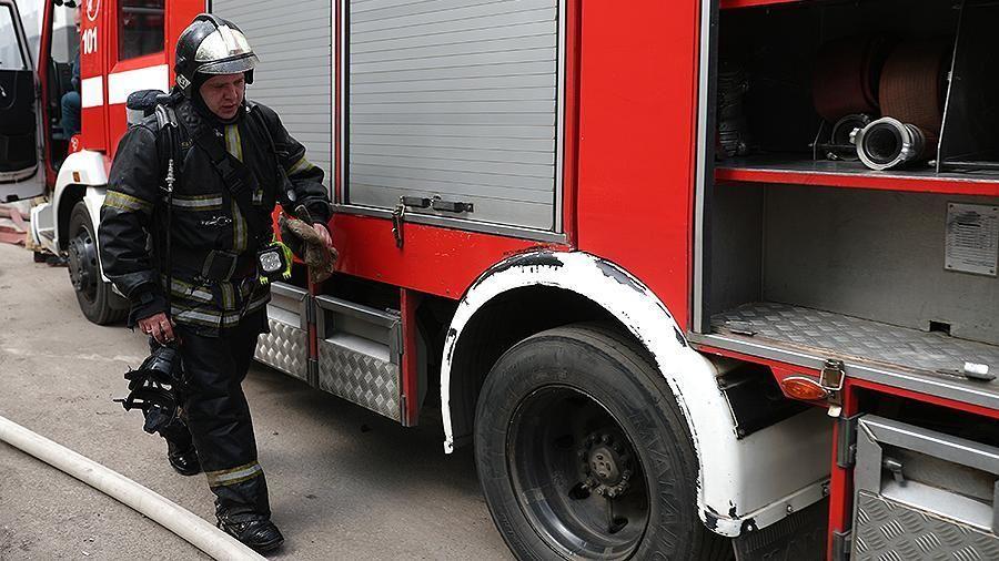 Крымские огнеборцы спасли женщину на пожаре, произошедшем в городе Симферополе