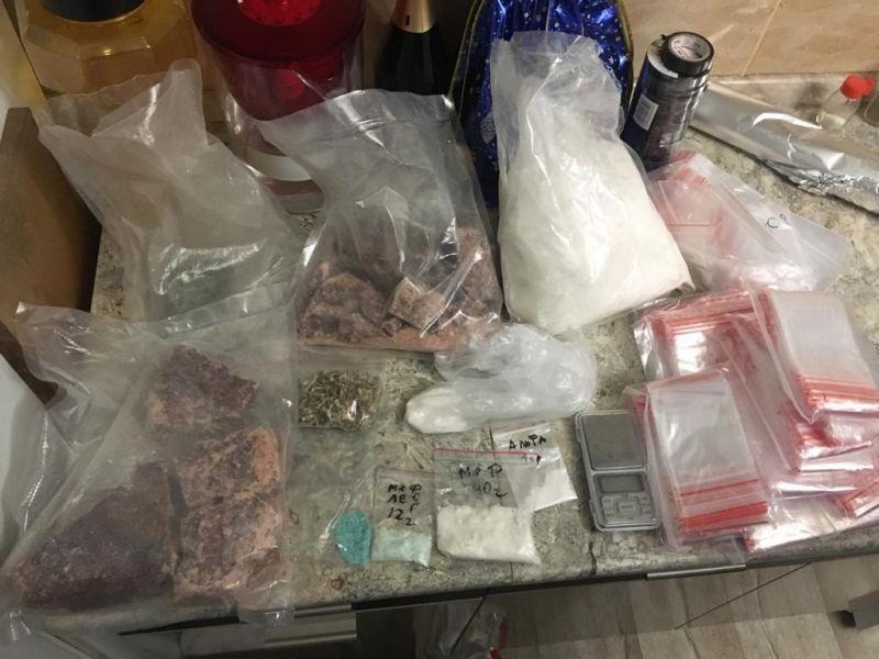В Севастополе полиция изъяла три килограмма синтетических наркотиков