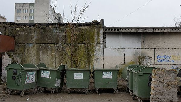 В Крыму пьяный пенсионер поджигал мусорные баки
